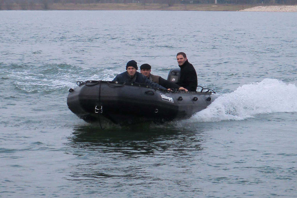 Sillinger propose des bateaux rapides légers et sûrs pour les opérations urgentes.