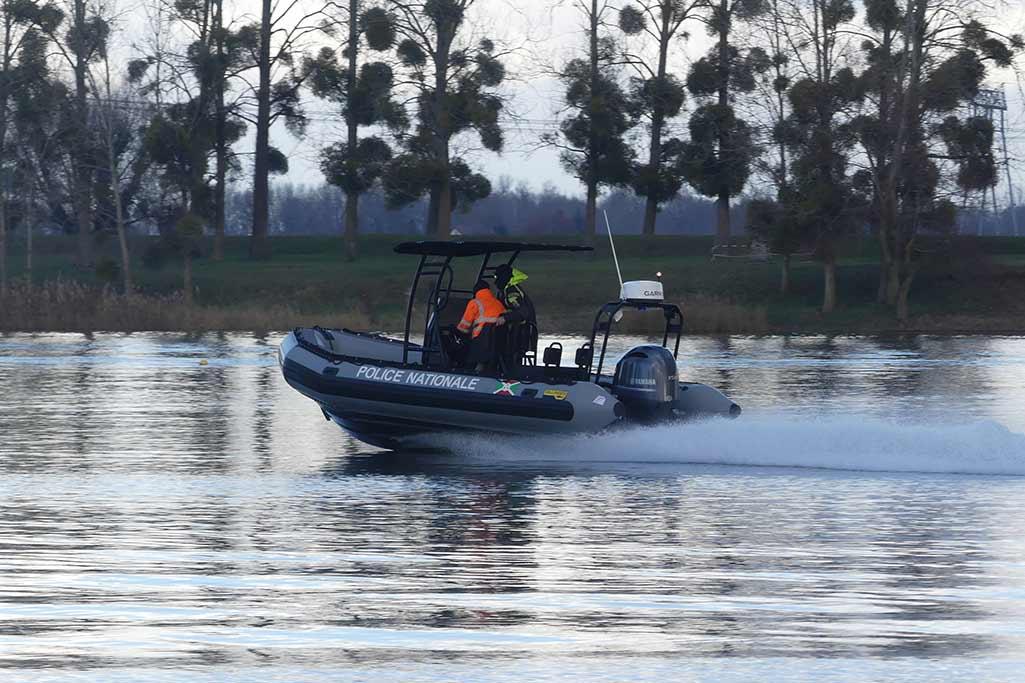 Les bateaux Sillinger sont conçu pour les interventions et sauvetage des professionnels (armée, marine, forces spéciales).