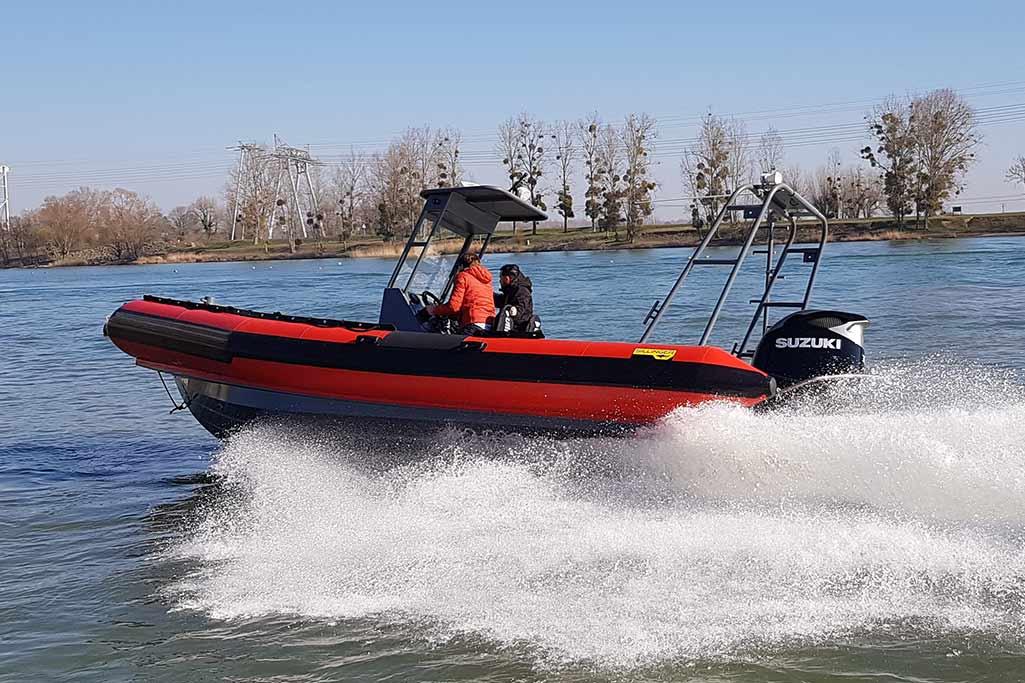 Sillinger vous présente sa gamme Proraid, des embarcations avec des assemblages de flotteurs sur coque.