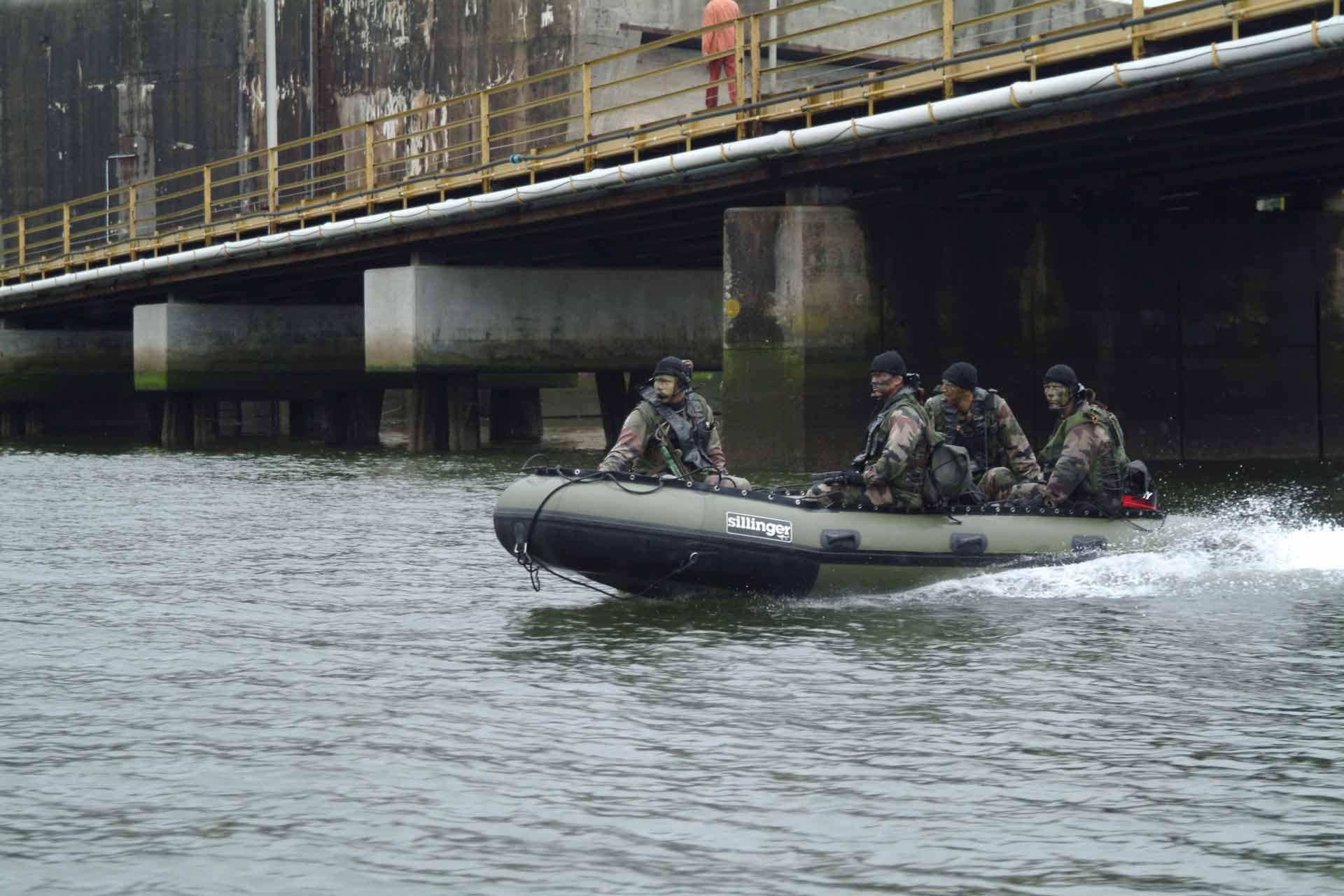 Sillinger propose des bateaux pour l'armée, des bateaux fiables et performants.