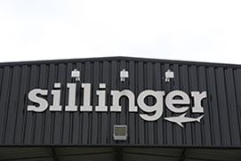 Sillinger est un constructeur français de bateaux pliables, semi-rigides ou encore déploiement rapide pour les commandos.